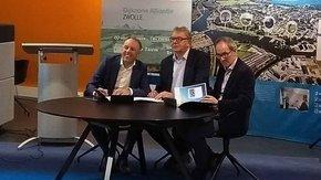Dijkversterking Stadsdijken Zwolle ondertekend