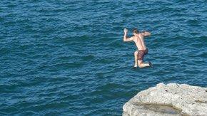 Van dienstbaarheid naar partnerschap; Een sprong(etje) in het diepe